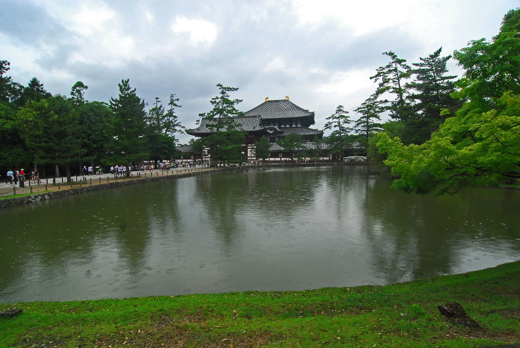 Todai ji again in the rain